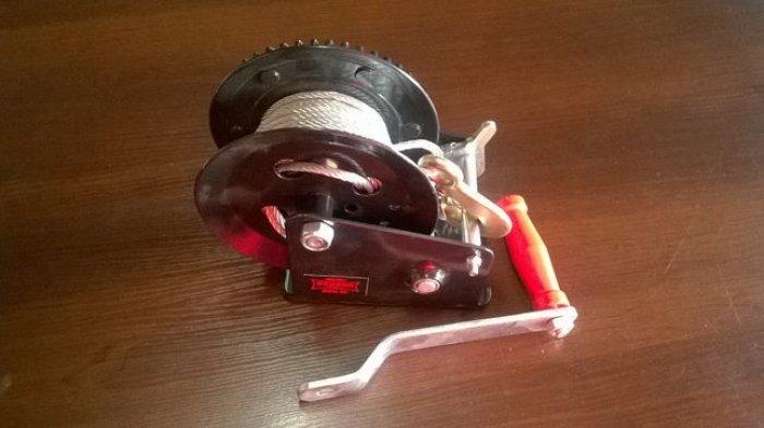 Wyciągarka ręczna korbowa Dragon Winch DWK 25 z liną