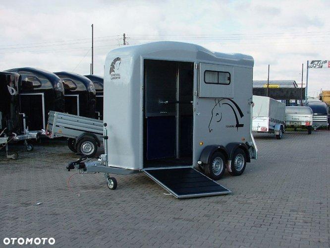Przyczepa Gold Touring do przewozu koni Aluminiowa Cheval Liberte Debon