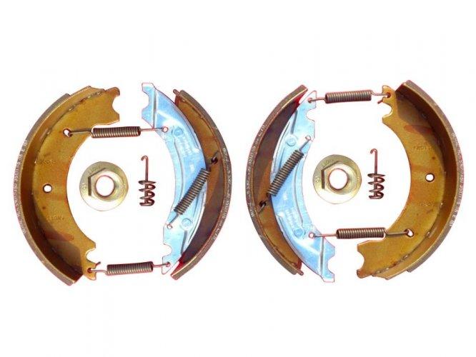 Oryginalne SZCZĘKI Hamulcowe FIRMY KNOTT 200 x 50 komplet na 1 oś