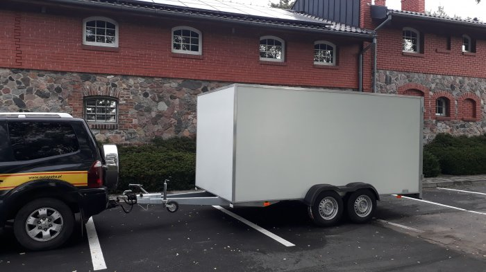 KONTENER CARGO PAKA BOX FURGON ZABUDOWANA 1300kg